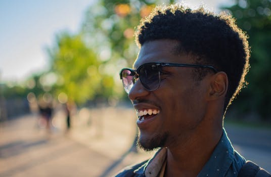 pexels photo 1182238 - 10 Habits of Highly Happy People